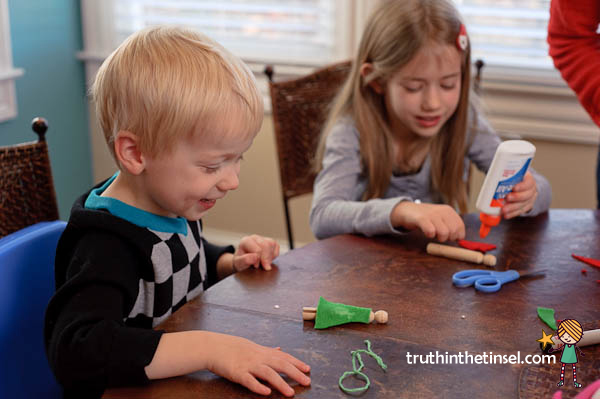 tips for doing Truth in the Tinsel with your kids